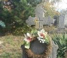 Nagyanyánk sírjánál