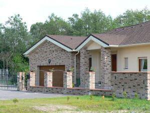 Sárgul az irigységtől a szomszéd, ha meglátja a tetődet? Avagy a drágább az olcsóbb?